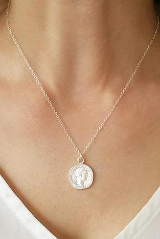Silver necklace, Coin necklace, Silver disc necklace, Silver Pendant Necklace, Coin Jewelry, Dainty Necklace, Silver Charm, Unique gift