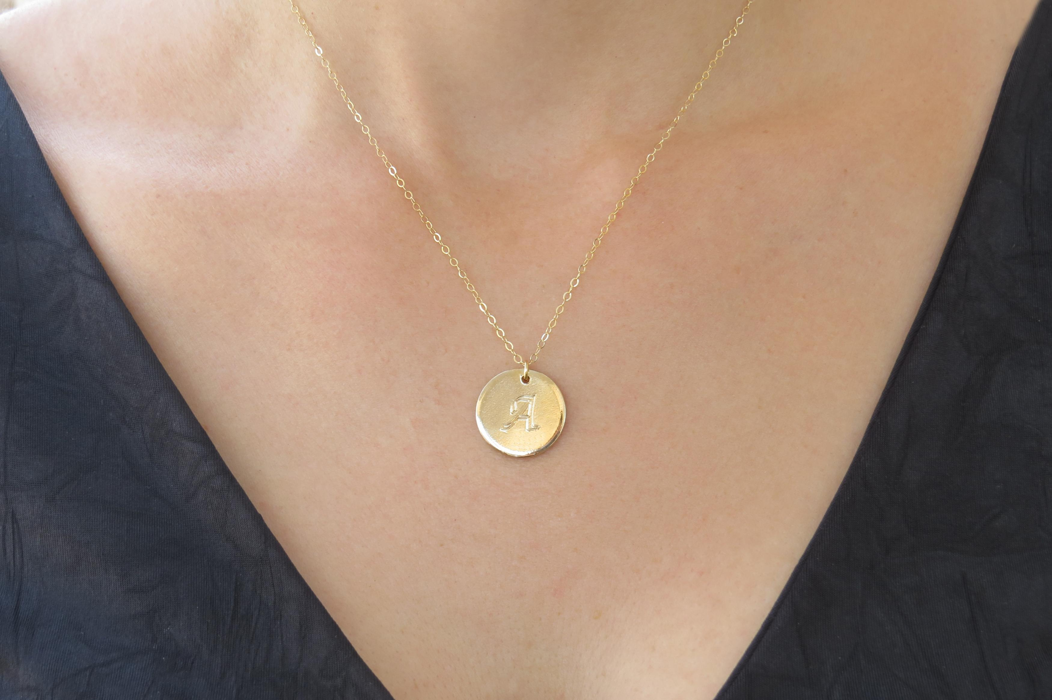 original round initial pendant gold name letter product necklace personalized custom disc jewelry